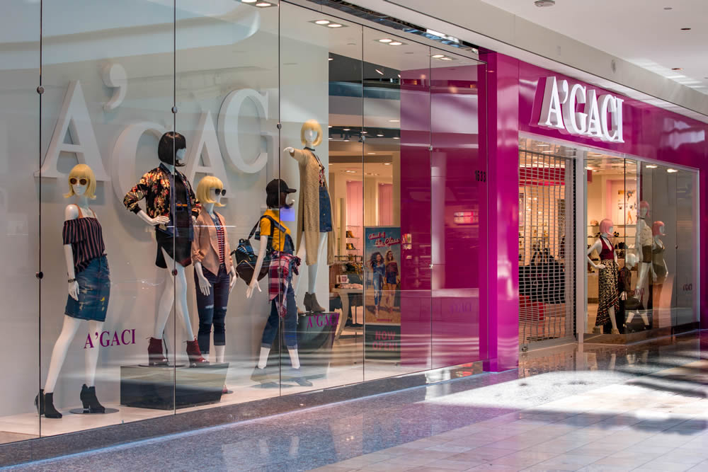 A 39 Gaci Storefront Galleria Mall Of Las Vegas Nevada A Cutting Edge Glass