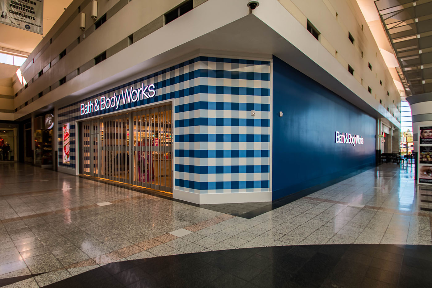 Bath Body Works The Boulevard Mall Las Vegas Nevada A Cutting Edge Gl Mirror Metal Front Cladding Systems